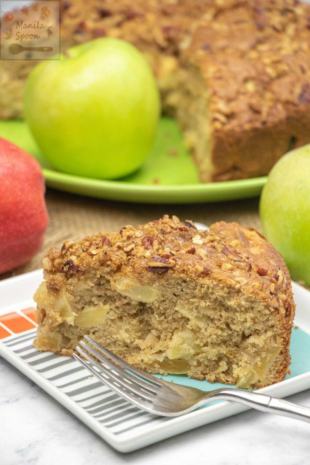 Classic German Apple Streusel Cake