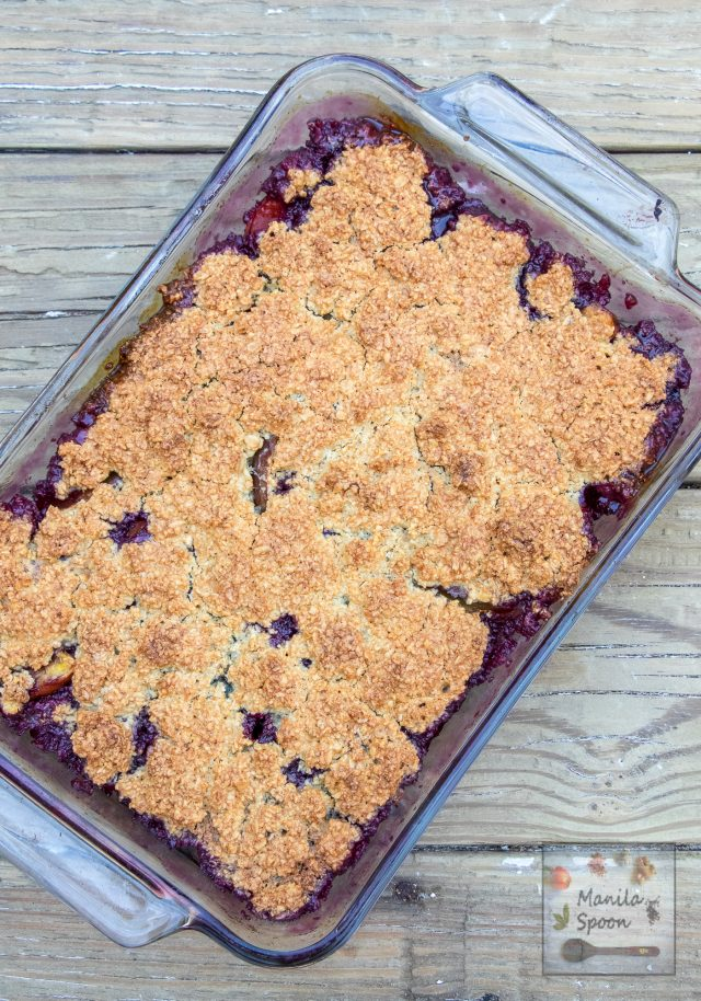 Delicious Peach and Blueberry Crumble